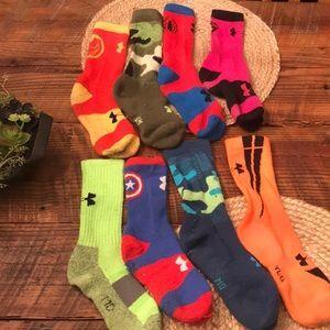 Box Lot/ 8 under Armour socks